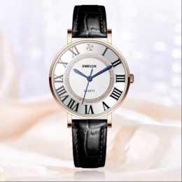 主播當如傾城雅安娜,手錶當如艾米諾