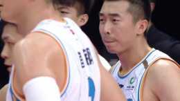 王驍輝上腿絆倒富蘭克林,吃違體犯規 上賽季讓富蘭克林休養20場