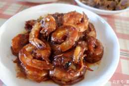 大蝦這樣做簡單又入味,家庭版的油燜大蝦你可以試試