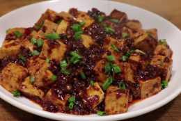 想吃地道川菜,不妨在家試試這道麻婆豆腐,味道一點也不輸給大廚