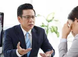離職一週,老闆突然打電話讓我調整以前做的方案,我應該幫他嗎?