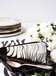 一款讓人看上去賞心悅目且充滿食慾的黑白斑馬芝士蛋糕製作 !