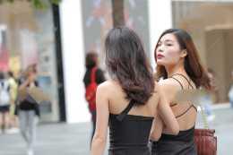 黑色單肩吊帶抹胸連體衣褲開叉西裝面料,設計感全部呈現在服飾上
