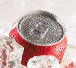 夏天把它放在冰箱裡冷凍,相當於放了一顆炸彈!