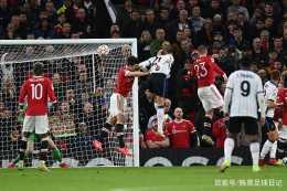 C羅逆境爆發,力助曼聯逆勢登頂!但這樣踢,對利物浦照樣沒戲?